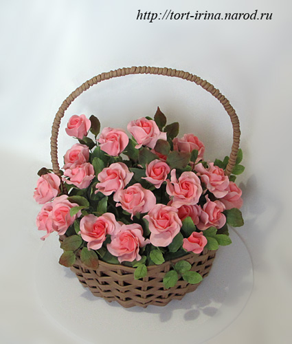 Торты из мастики с цветами в корзинке